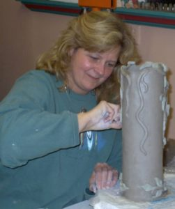 Intermediate Ceramics w/ Linda Knowles @ Art Association of Oswego | Oswego | New York | United States